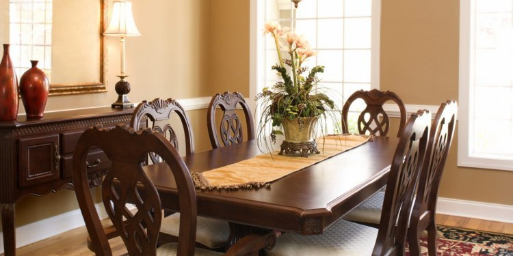 Marble dining room table vs