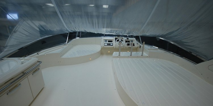 Azimut-75-flybridge-no-name-sale-italy 062