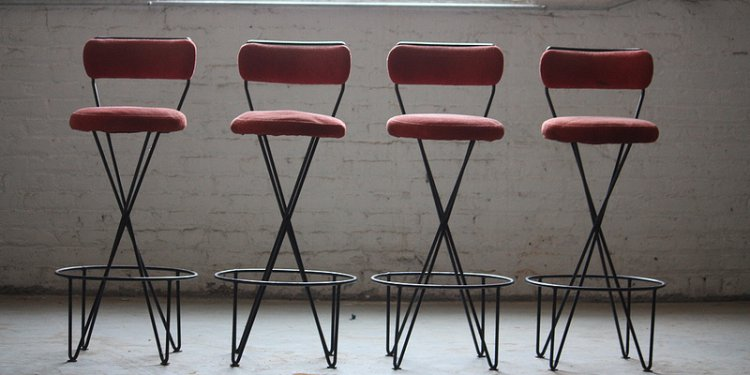 Titilating Paul Tuttle Mid Century Modern Wrought Iron Bar Stools (California, U.S.A., 1950s